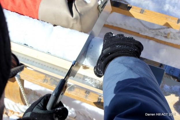 Ice core cutting