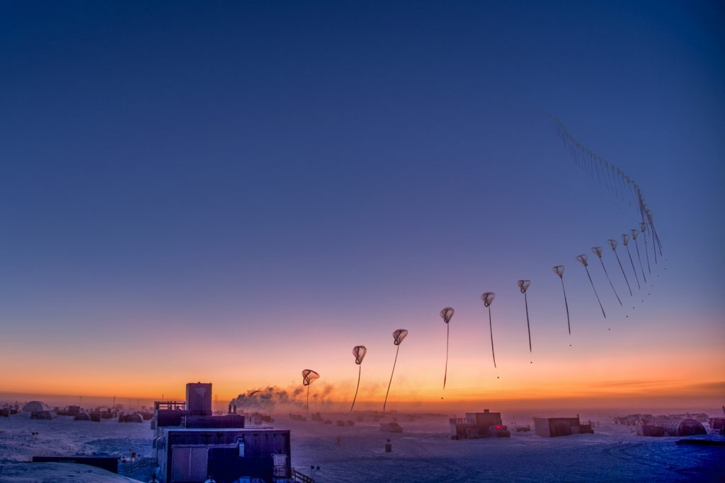Current Status of the Ozone Hole – Oct 4 688201184e70